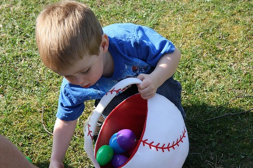 USACE kids collect 1,250 Easter eggs at annual celebration