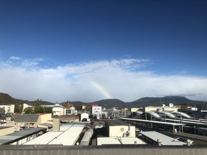 LinkedInグラーツのオフィスから見えた虹