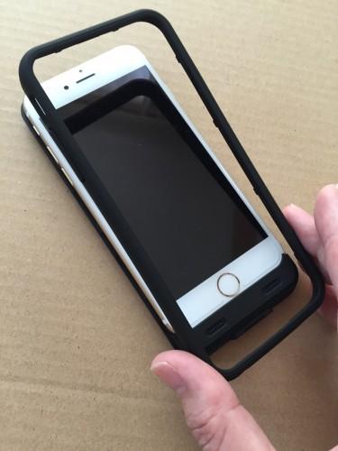 iPhone6にバンパーを装着